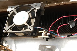 Click image for larger version  Name:DSC_0104 Switch for refrig fan.jpg Views:492 Size:319.4 KB ID:263698