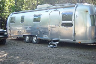 Click image for larger version  Name:Airstream 9-26-2006 002-1.jpg Views:110 Size:81.1 KB ID:26446