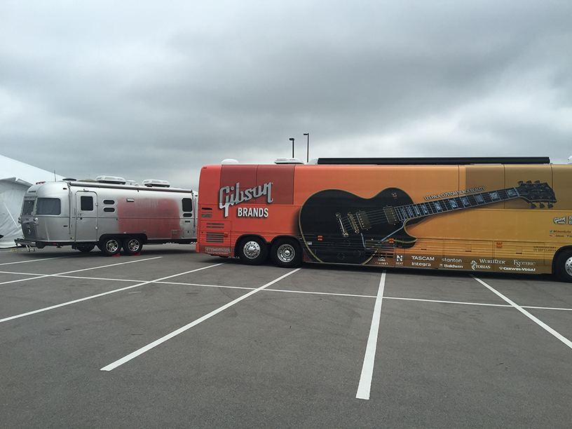 Click image for larger version  Name:Airstream_GibsonBus.jpg Views:130 Size:367.9 KB ID:264624