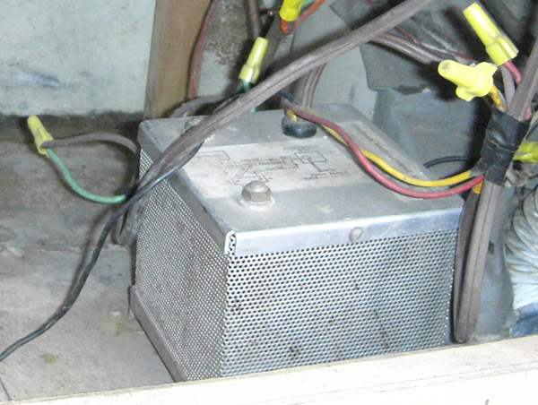 Click image for larger version  Name:Possible Inverter Box2.jpg Views:108 Size:113.6 KB ID:26589