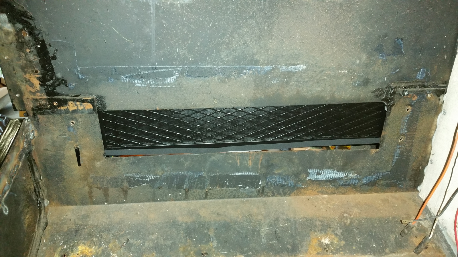 Click image for larger version  Name:74-argosy-evaporator-box-poor-fit-1.jpg Views:53 Size:1.06 MB ID:266203
