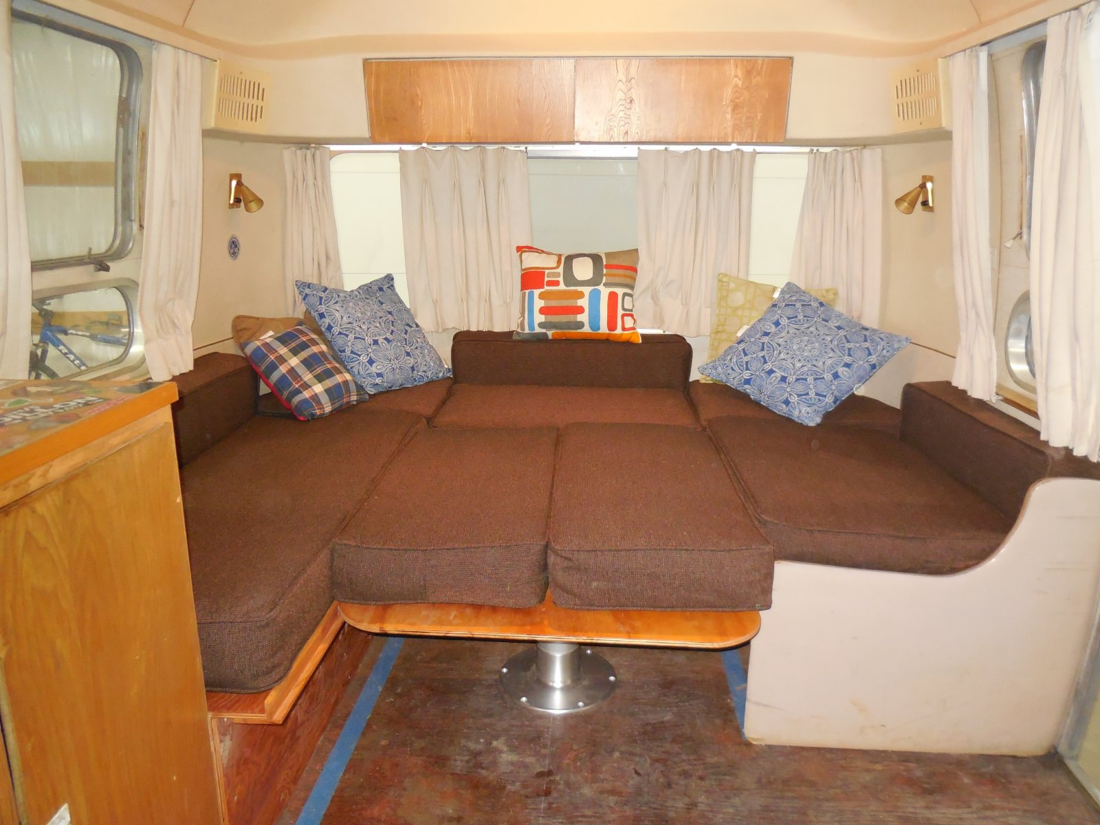 Click image for larger version  Name:1604 Dinette Done Bed.jpg Views:49 Size:261.4 KB ID:267840