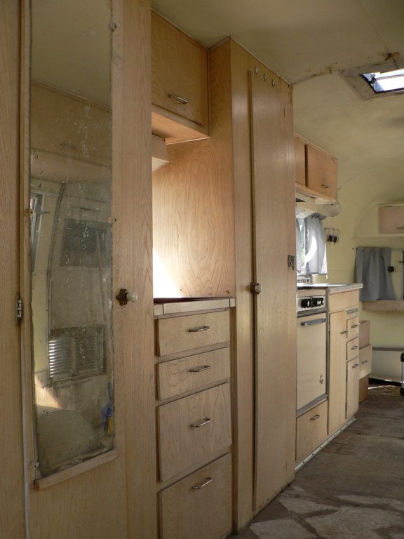 Click image for larger version  Name:Galley before 2.JPG Views:108 Size:79.7 KB ID:26855