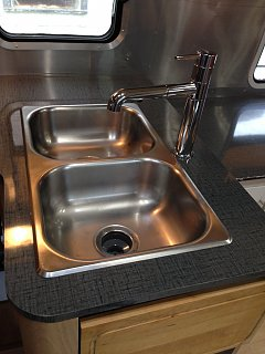 Click image for larger version  Name:Airstream kitchen.jpg Views:88 Size:239.1 KB ID:271497