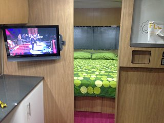 Click image for larger version  Name:Airstream bedroom.jpg Views:52 Size:239.1 KB ID:271508