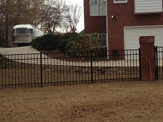 Click image for larger version  Name:driveway.JPG Views:264 Size:136.8 KB ID:276592