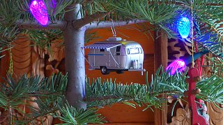 Click image for larger version  Name:Airstream Christmas 2016.jpg Views:80 Size:375.7 KB ID:276765