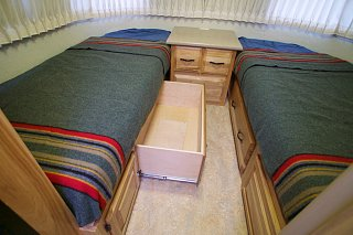 Click image for larger version  Name:Airstream Renovation- Twin Beds (1).jpg Views:575 Size:176.1 KB ID:277227