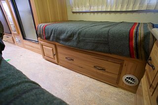 Click image for larger version  Name:Airstream Renovation- Twin Beds (8).jpg Views:477 Size:159.8 KB ID:277234