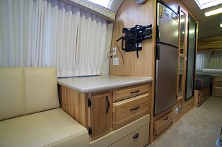 Click image for larger version  Name:Airstream Renovation- Kitchen Cabinet.jpg Views:558 Size:129.9 KB ID:277242
