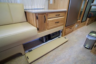 Click image for larger version  Name:Airstream Renovation- Kitchen Cabinet (2).jpg Views:575 Size:138.4 KB ID:277244