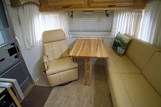 Click image for larger version  Name:Airstream Renovation- Living Area.jpg Views:672 Size:138.5 KB ID:277247
