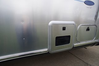 Click image for larger version  Name:Airstream Renovation- Truma Water Heater.jpg Views:441 Size:100.5 KB ID:277253