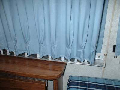 Click image for larger version  Name:curtain03.jpg Views:471 Size:14.9 KB ID:2785
