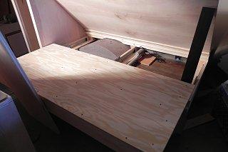 Click image for larger version  Name:sliding bed under top.JPG Views:60 Size:489.2 KB ID:278649