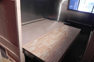 Click image for larger version  Name:sliding bed extended.JPG Views:56 Size:500.3 KB ID:278651