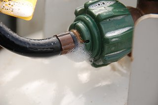 Click image for larger version  Name:DSC_0454 Propane pigtail leak.jpg Views:88 Size:231.1 KB ID:281385