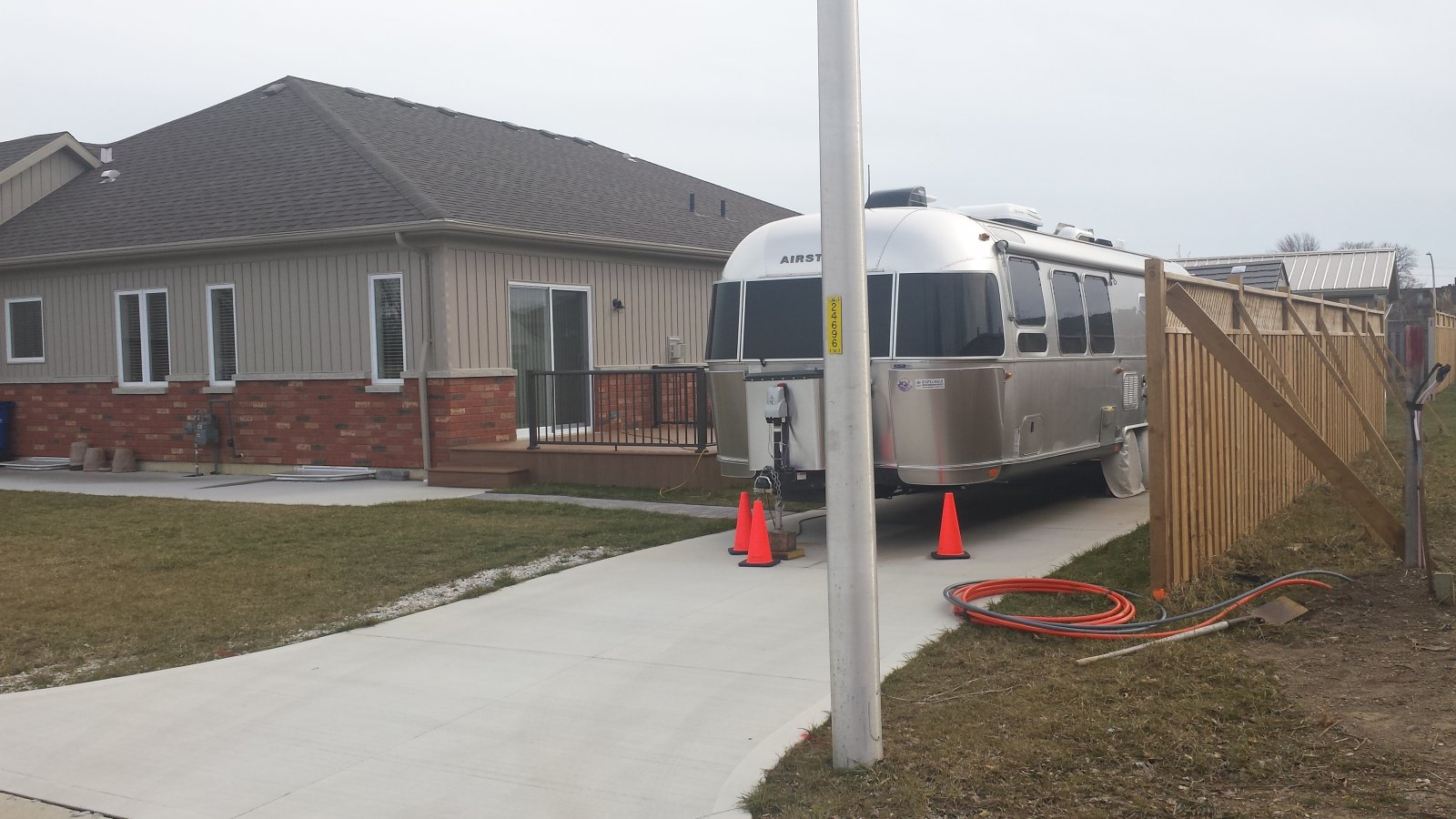 Click image for larger version  Name:Airstream on back pad.jpg Views:113 Size:227.5 KB ID:281845