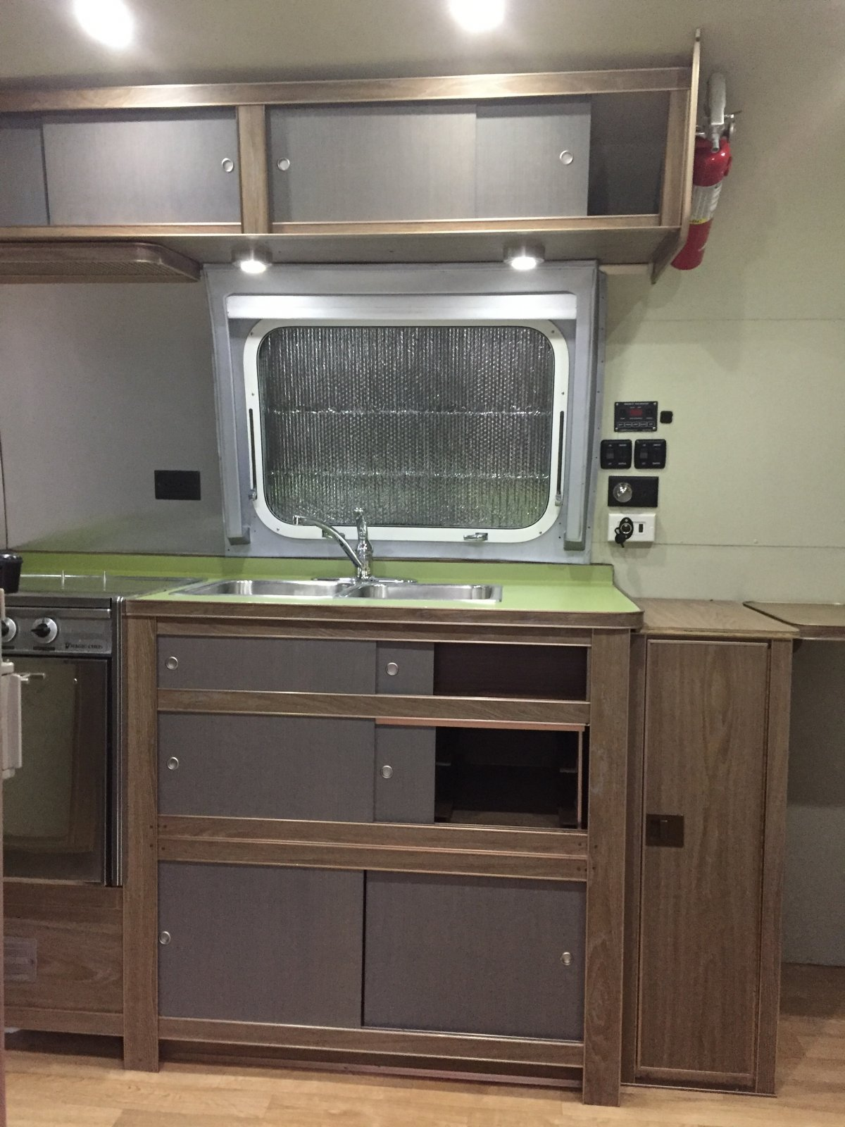 Click image for larger version  Name:Kitchen Cab.jpg Views:160 Size:275.2 KB ID:282117