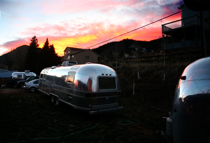 Click image for larger version  Name:IMG_0859 3 Trailer sunset-s.jpg Views:73 Size:96.2 KB ID:28332