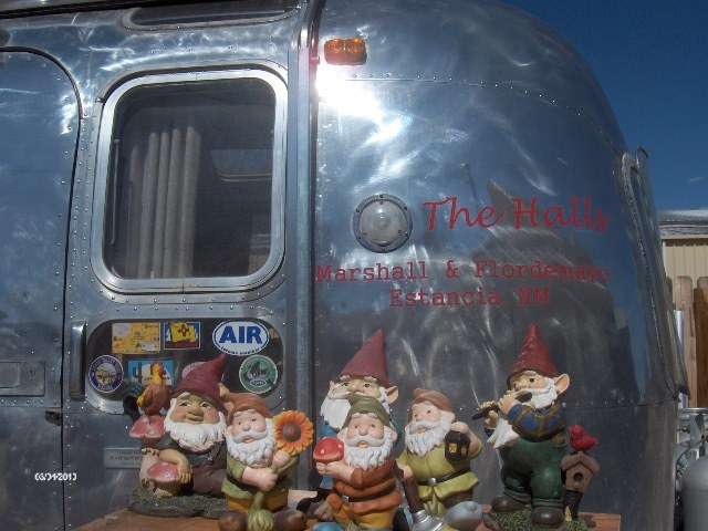 Click image for larger version  Name:Gnomes 006.jpg Views:105 Size:91.2 KB ID:284031