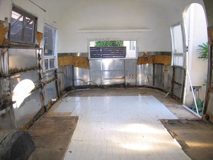 Click image for larger version  Name:interior shell.jpg Views:155 Size:111.7 KB ID:28544