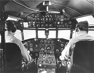 Click image for larger version  Name:Boeing 307 flight deck.jpg Views:71 Size:65.6 KB ID:287265
