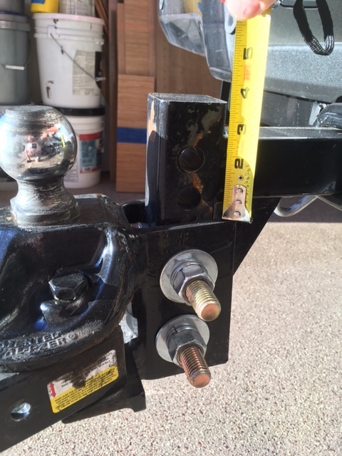 Click image for larger version  Name:Equalizer Hitch on F250.JPG Views:163 Size:137.1 KB ID:287646