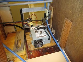 Click image for larger version  Name:1405 Electrical Converter Installed (Small).jpg Views:71 Size:92.9 KB ID:288661