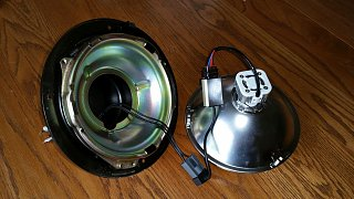 Click image for larger version  Name:74-argosy-headlight-ready-to-assemble.jpg Views:39 Size:258.5 KB ID:288699