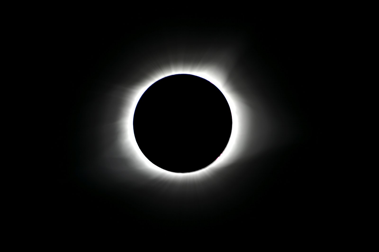 Click image for larger version  Name:Full Solar Eclipse-10.jpg Views:49 Size:48.9 KB ID:292989
