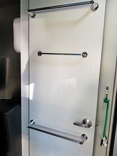 Click image for larger version  Name:new hangesr on  bath room door.jpg Views:57 Size:113.3 KB ID:293963