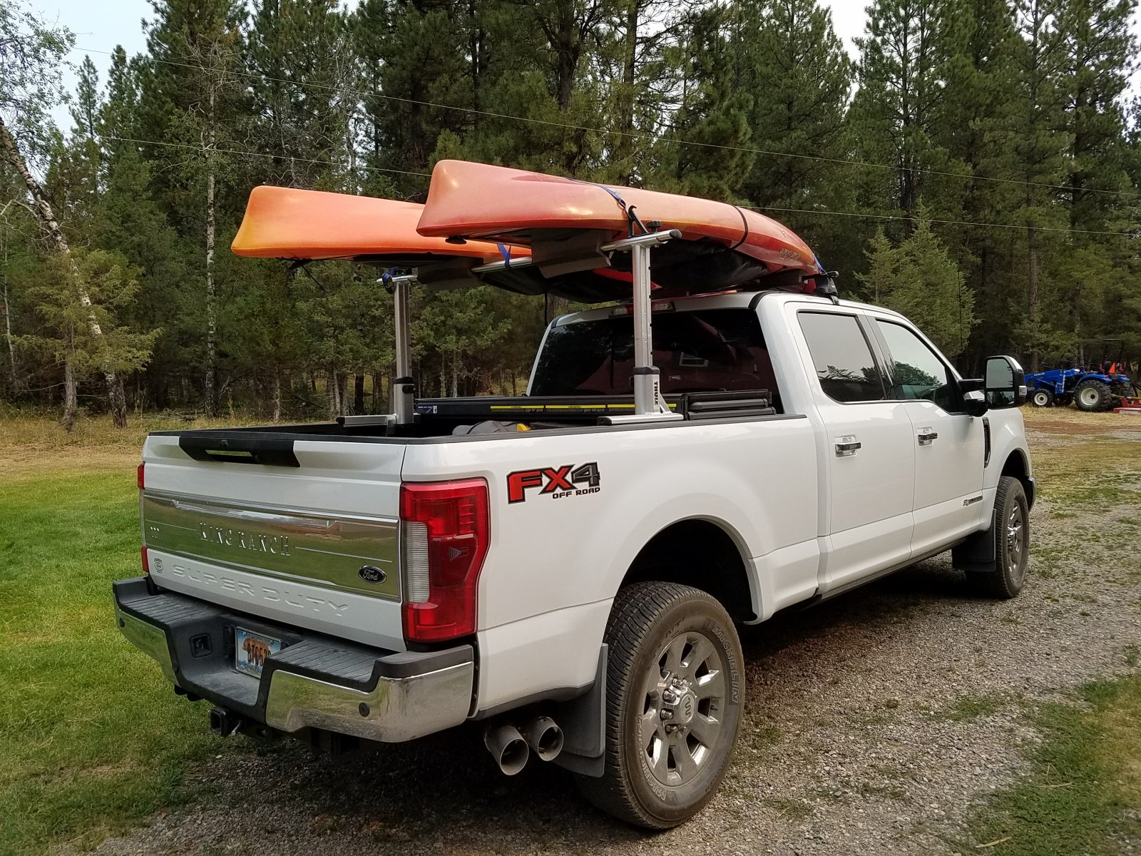 Click image for larger version  Name:F250 w kayaks rear view.jpg Views:45 Size:562.0 KB ID:294000