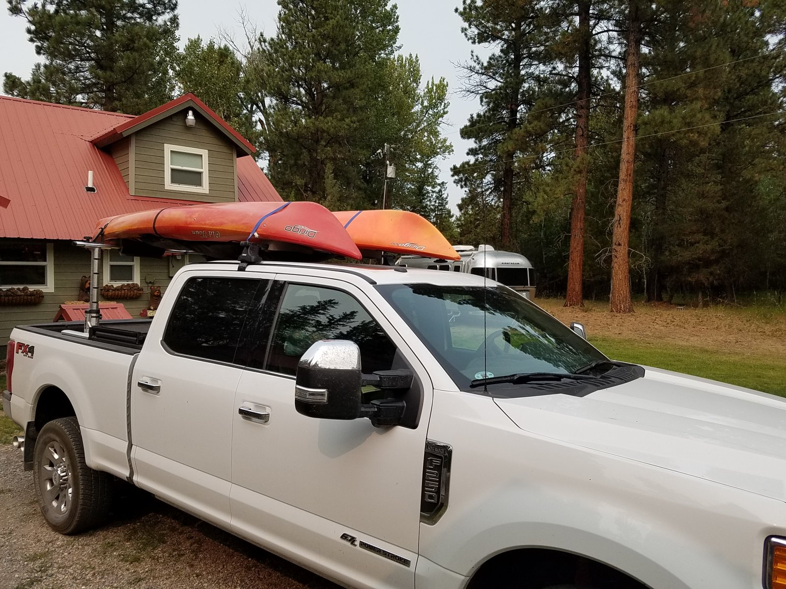 Click image for larger version  Name:F250 with kayaks front view.jpg Views:47 Size:451.5 KB ID:294001