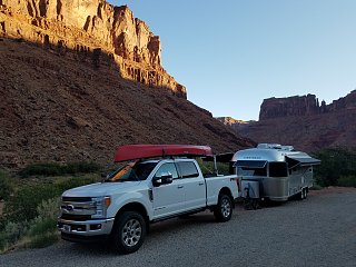 Click image for larger version  Name:truck and AS in Arches.jpg Views:99 Size:383.6 KB ID:295511