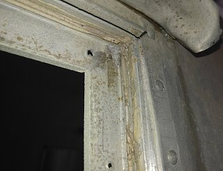 Click image for larger version  Name:Example of Caulk in Window Gasket T-Slot.jpg Views:80 Size:310.8 KB ID:295751