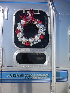 Click image for larger version  Name:wreath.jpg Views:91 Size:115.9 KB ID:29592