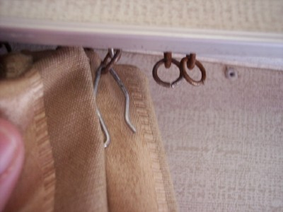 Click image for larger version  Name:curtain hooks1.jpg Views:89 Size:100.0 KB ID:29718
