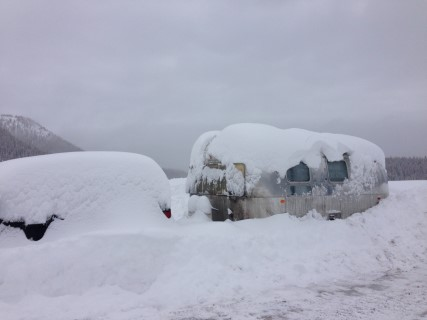 Click image for larger version  Name:1403 Snow Covered GlobeTrotter (Mobile).JPG Views:24 Size:25.9 KB ID:297760