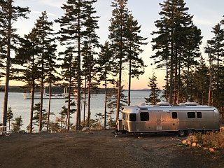 Click image for larger version  Name:ship passing Airstream at Eagles' Rest.jpg Views:410 Size:580.4 KB ID:299257