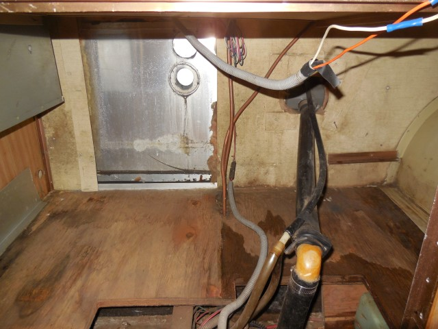 Click image for larger version  Name:1711 Plumbing Pump Removed 1 (Small).JPG Views:56 Size:140.3 KB ID:299406