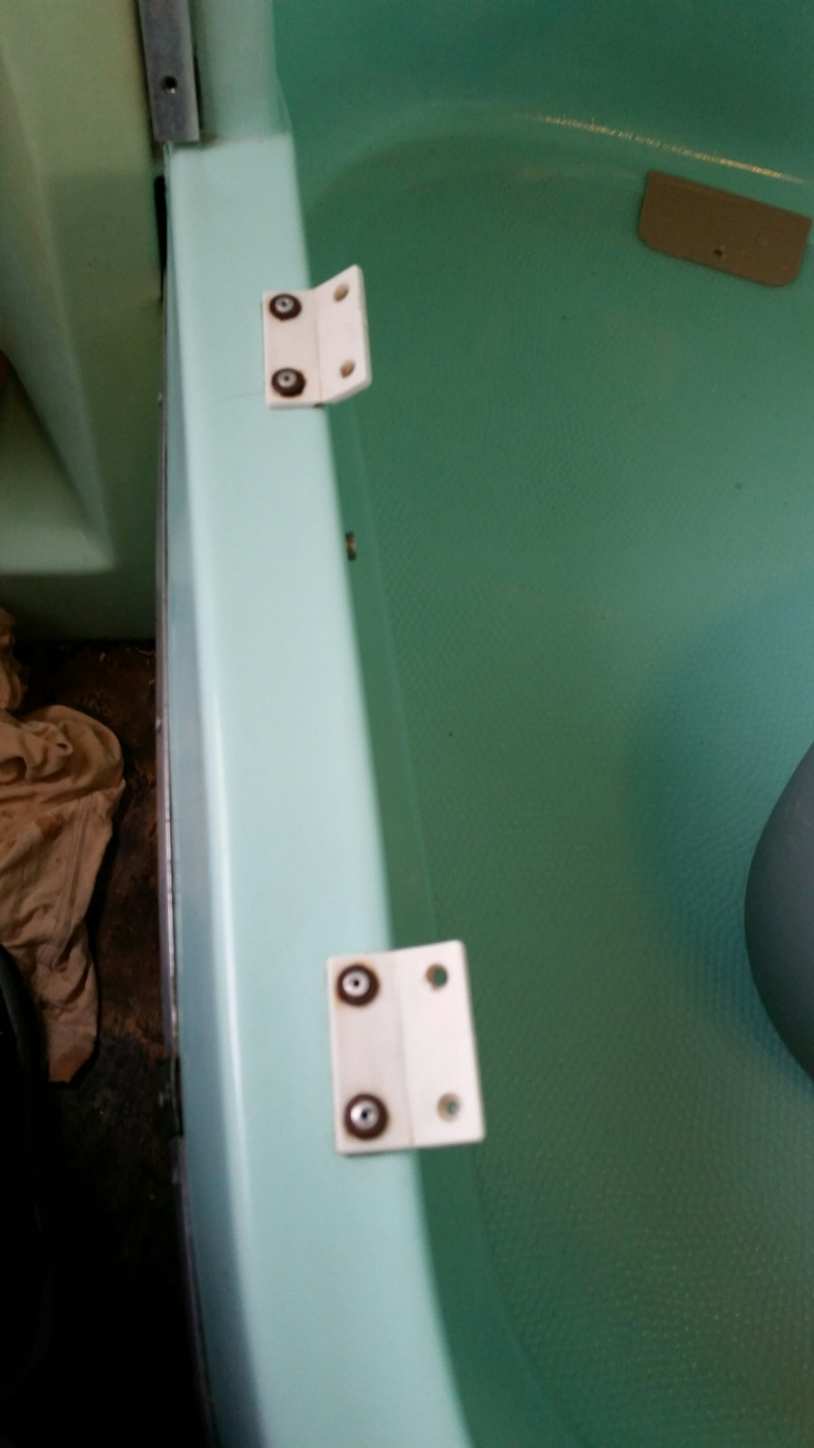 Click image for larger version  Name:Tub Hinges.jpg Views:90 Size:110.4 KB ID:299718
