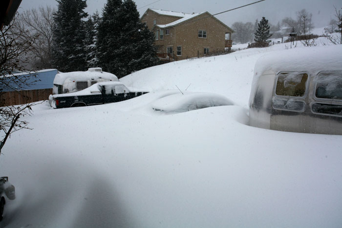 Click image for larger version  Name:IMG_0995 snow cars from deck-s.jpg Views:71 Size:86.0 KB ID:29986