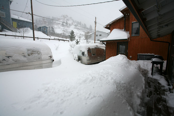 Click image for larger version  Name:IMG_0996 snow deck-s.jpg Views:71 Size:86.8 KB ID:29987