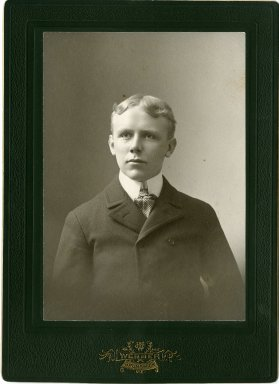 Click image for larger version  Name:Percival_Proctor_Baxter_Bowdoin_College_class_of_1898.jpg Views:61 Size:17.4 KB ID:300344