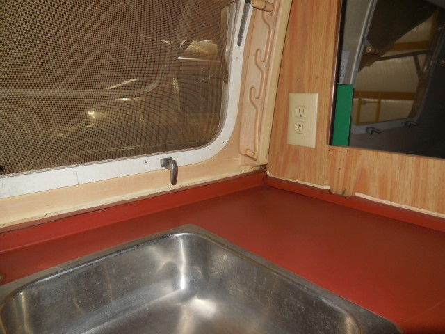 Click image for larger version  Name:1710 Electrical Galley Outlet Old (Small).JPG Views:59 Size:131.7 KB ID:300411