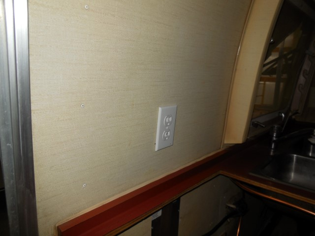 Click image for larger version  Name:1710 Electrical Galley Outlet New (Small).JPG Views:62 Size:111.4 KB ID:300412