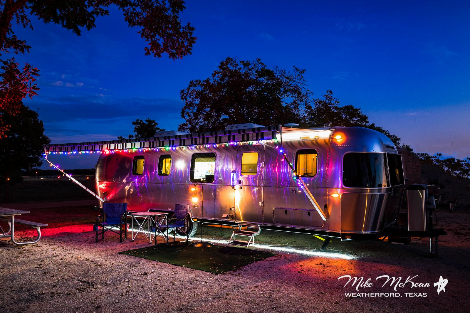 Click image for larger version  Name:2Christmas Airstream.jpg Views:69 Size:416.9 KB ID:300421
