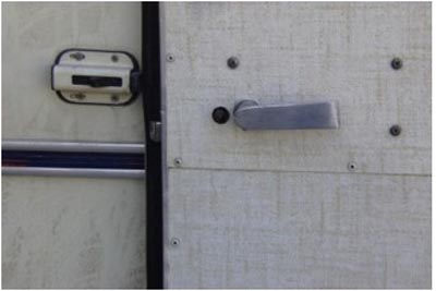 Click image for larger version  Name:door handle.jpg Views:196 Size:33.8 KB ID:3022
