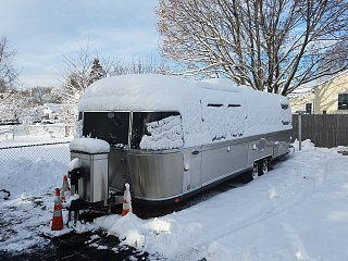 Click image for larger version  Name:Snowed In.jpg Views:33 Size:218.1 KB ID:302341
